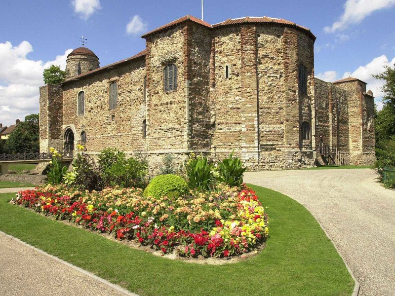 Image beautiful colchester castle 102009 1600x1200